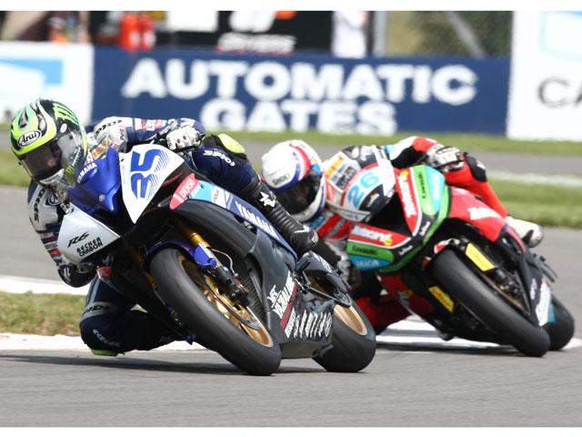 Crutchlow (Yamaha) suma su cuarta victoria en Donington