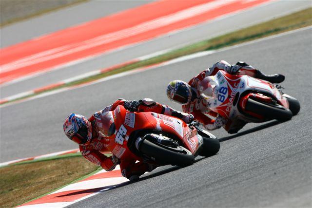MotoGP. Nicky Hayden se juega mucho en Laguna Seca