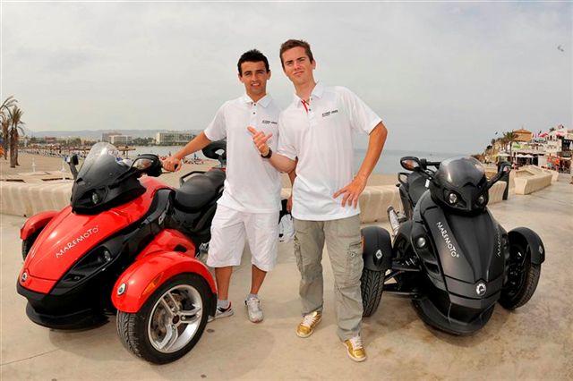 Héctor Barberá y Nico Terol en moto acuática y Can-Am Spyder