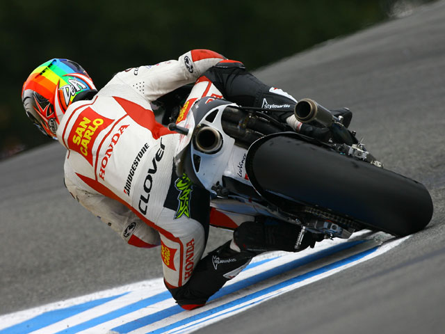 Stoner manda en los libres del viernes del GP de Alemania