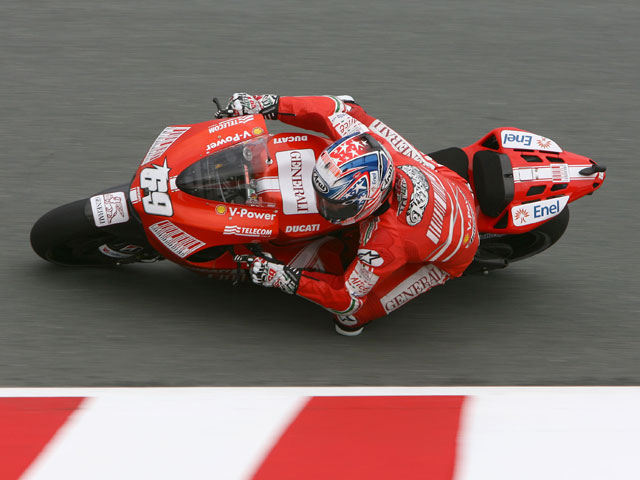 Valentino Rossi logra la pole en la última vuelta a Sachsenring
