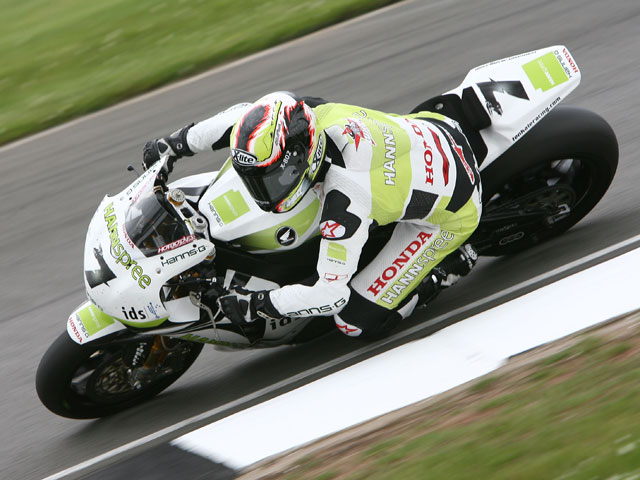 Biaggi hace valer el rodaje de Aprilia en el circuito de Brno