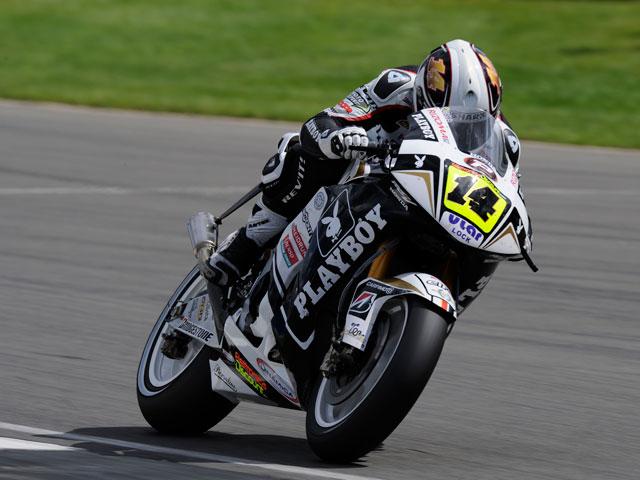 Andrea Dovizioso consigue su primera victoria en Donington Park