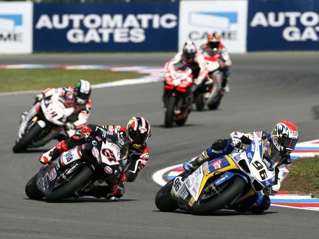 Ben Spies se cobra venganza en la segunda de Superbike en Brno
