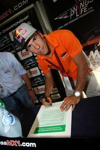 Jonathan Barragán firma con Kawasaki para 2010
