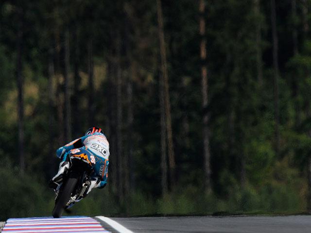 Iannone arrebata la pole a Terol en el GP de Brno