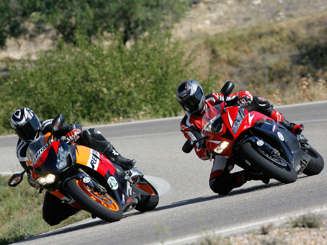 Comparativa Honda CBR 600 RR vs Honda CBR 1000 RR