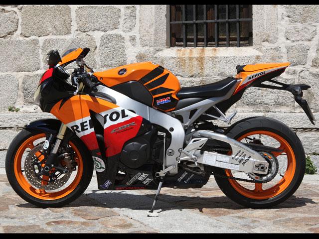 Imagen de Galeria de Comparativa Honda CBR 600 RR vs Honda CBR 1000 RR