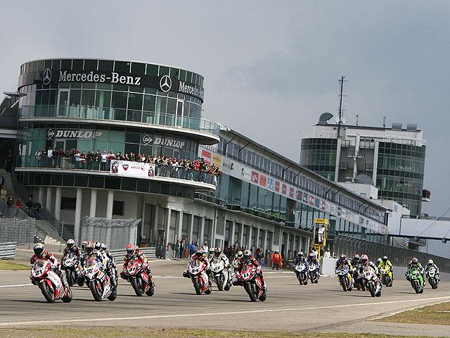 """Imagen de Galeria de Nürburgring, la vuelta al """"cole"""" del Mundial de SBK"""