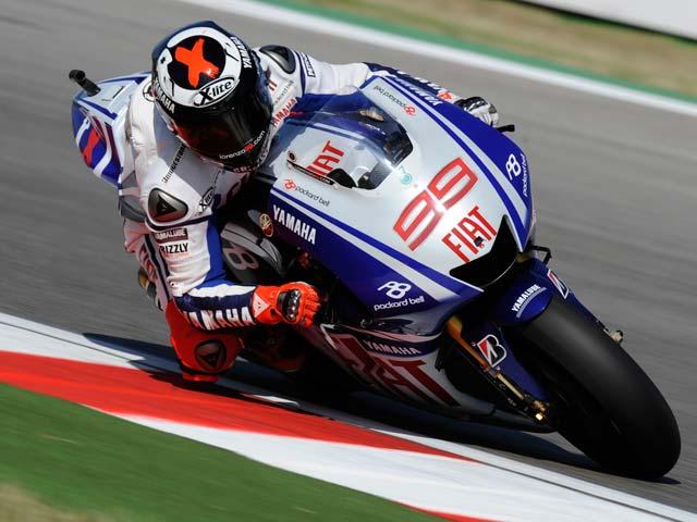 Valentino Rossi domina el GP de Misano. Lorenzo y Pedrosa completan el podio