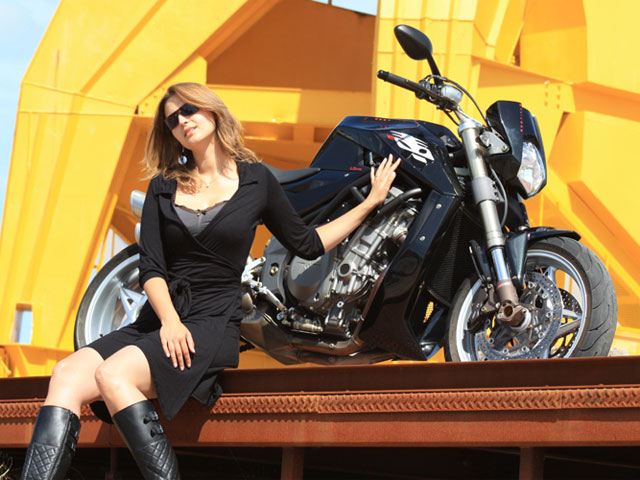MV Agusta Bestiale, ahora también en negro