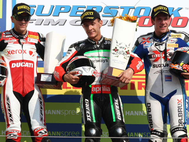 Simeon y La Marra vencen en Superstock 1000 y 600