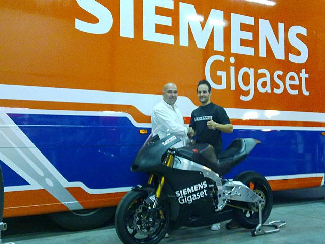 Imagen de Galeria de Javier Forés y Laglisse, juntos en la categoría Moto2 del CEV