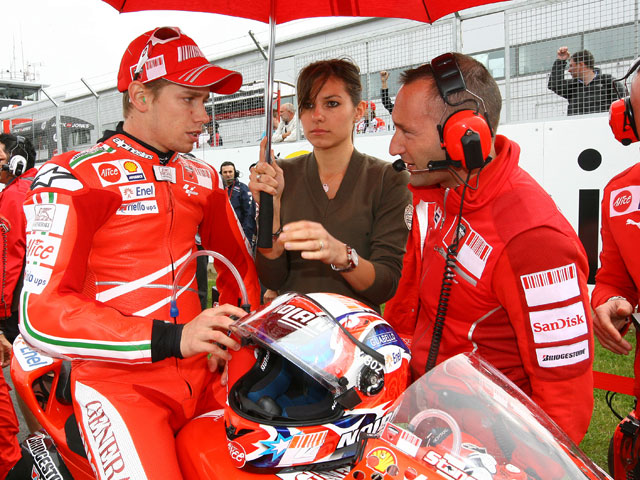 Lorenzo bate a Pedrosa y Rossi en los libres del  GP de Portugal
