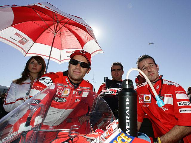 Carlos Checa ficha por el Ducati Althea