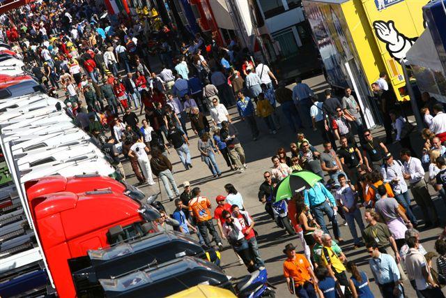 Actividades solidarias en el GP de Valencia