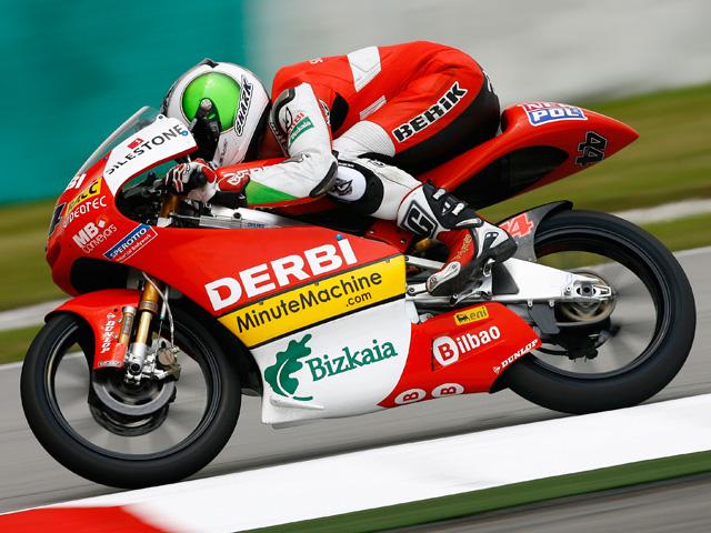 Julián Simón celebra su título con la victoria en el GP de Malasia