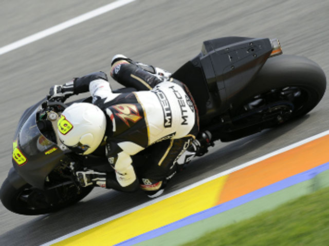 Alvaro Bautista y el equipo Rizla Suzuki terminan sus entrenamientos en Portugal