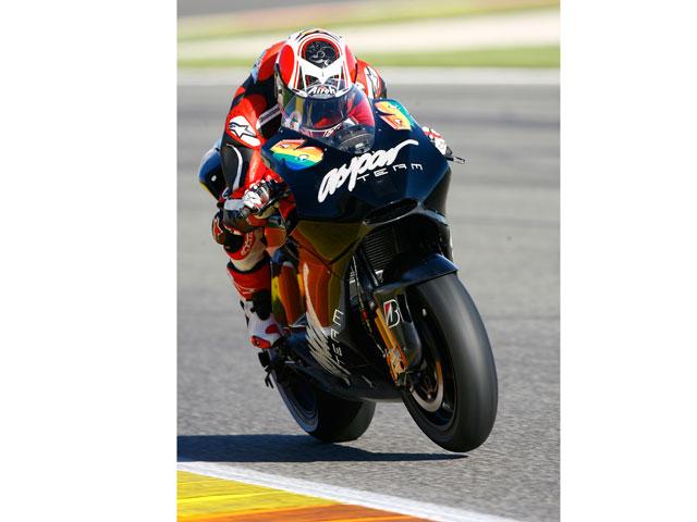 Héctor Barberá, entrenamientos con la Ducati Desmosedici 2010 en Jerez