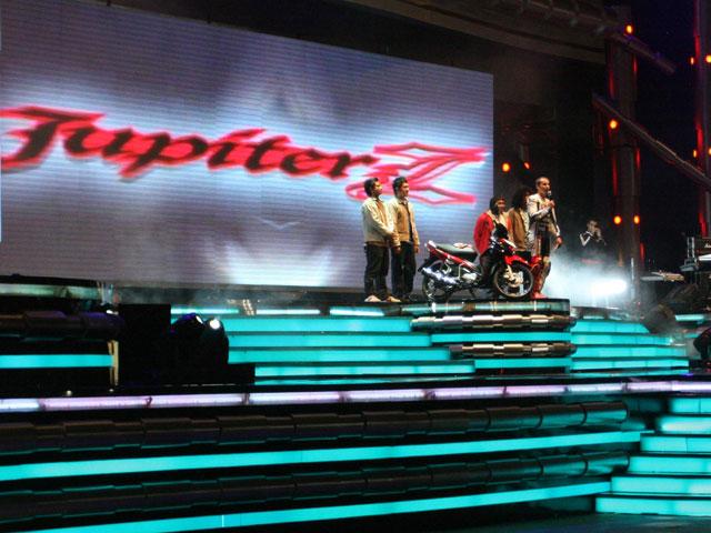 Jorge Lorenzo finaliza su viaje a Indonesia presentando la Jupiter Z