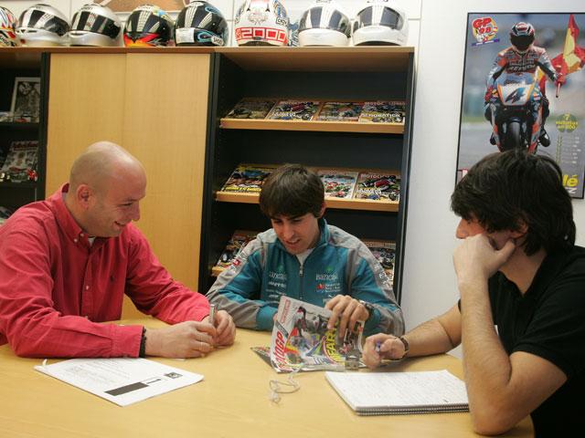 Julián Simón estará en los entrenamientos de Moto2