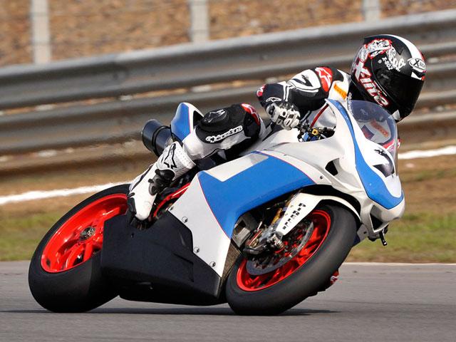 Presentación oficial del equipo Althea Racing Ducati de Carlos Checa