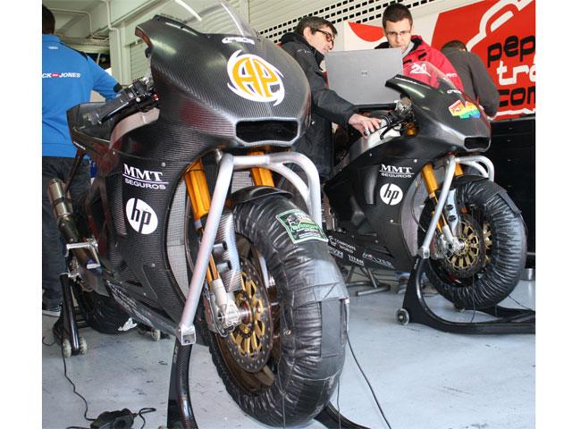 Gadea y Pons concluyen los entrenamientos de Moto2 en Valencia