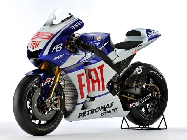 Yamaha presenta la YZR- M1 2010 en Sepang