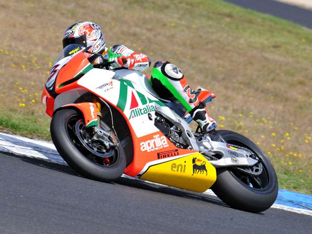 Carlos Checa y Michel Fabrizio, los más rápidos en Phillip Island