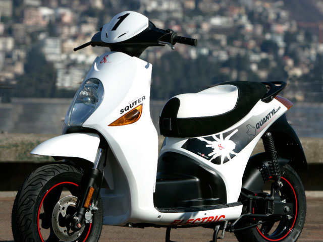 Quantya Squter P1, el scooter eléctrico suizo