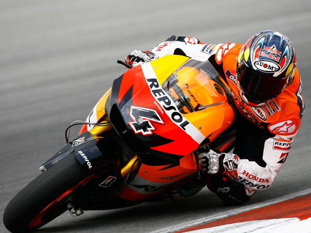 Valentino Rossi domina en Sepang