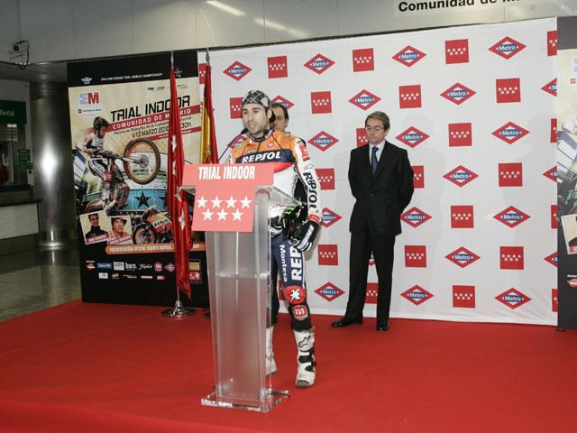 Toni Bou sorprende en la presentación del Trial Indoor de Madrid