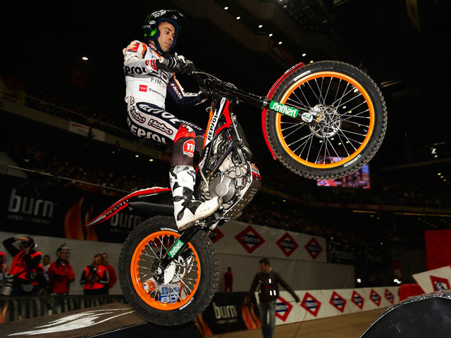 Toni Bou, victoria en el Trial Indoor de Madrid
