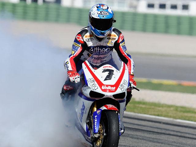 Vuelve el Haga del Mundial de Superbike. Checa, segundo