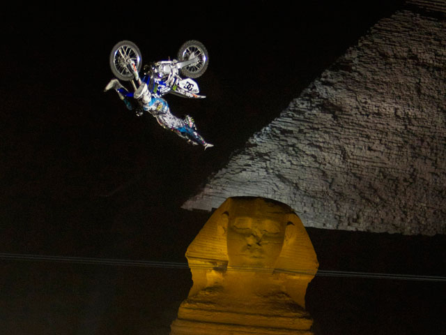 Red Bull X-Fighters, en El Cairo