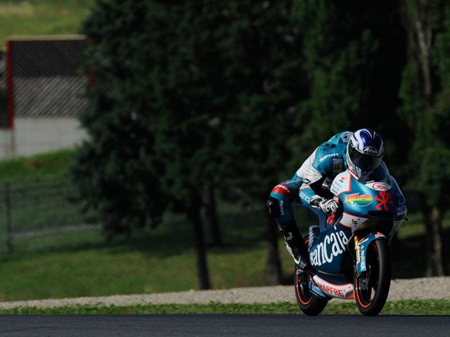 Marc Márquez, primera victoria con Terol y Espargaró en el podio
