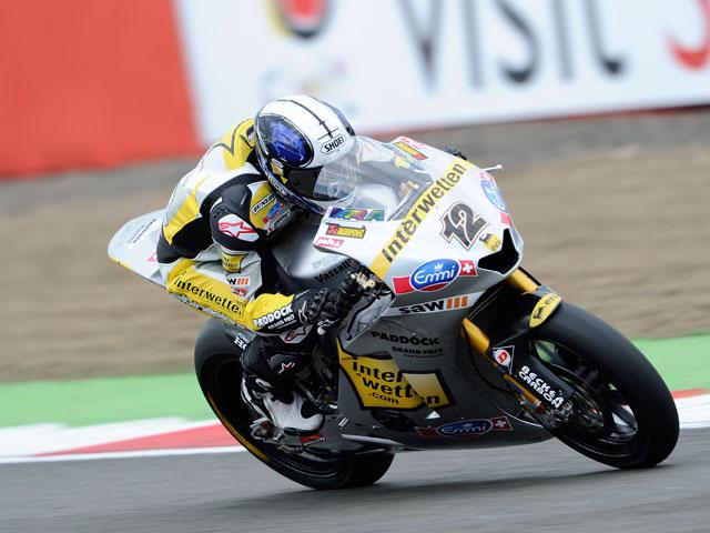 Jules Cluzel, victoria en Gran Bretaña con Luthi y Simón en el podio