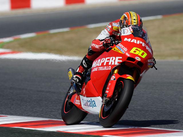Takahashi, Luthi y Simón suben al podio de Moto2 en Montmeló