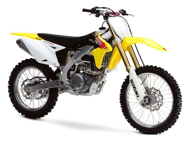 Honda y Suzuki presentan sus modelos 2011 de motocross