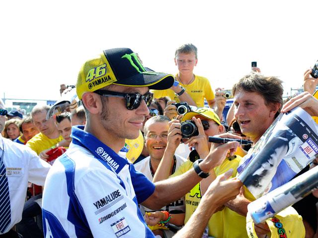 """Valentino Rossi: """"No me voy por dinero"""""""