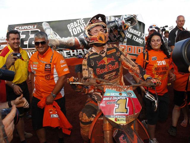 Tony Cairoli, Campeón del Mundo en MX1