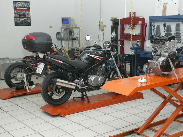 Cómo reclamar al concesionario o taller de motos