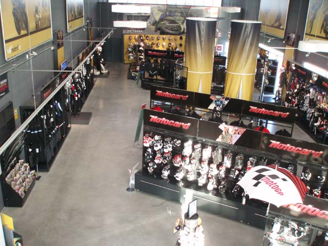 Motocard abre un nuevo establecimiento en Zaragoza