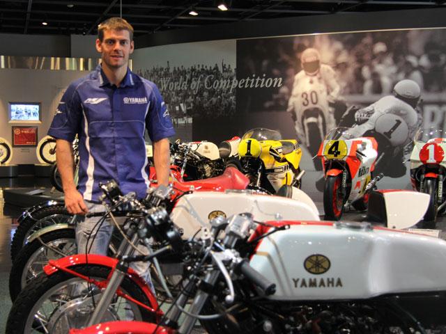Imagen de Galeria de Cal Crutchlow prueba la Yamaha YZR M1 de MotoGP