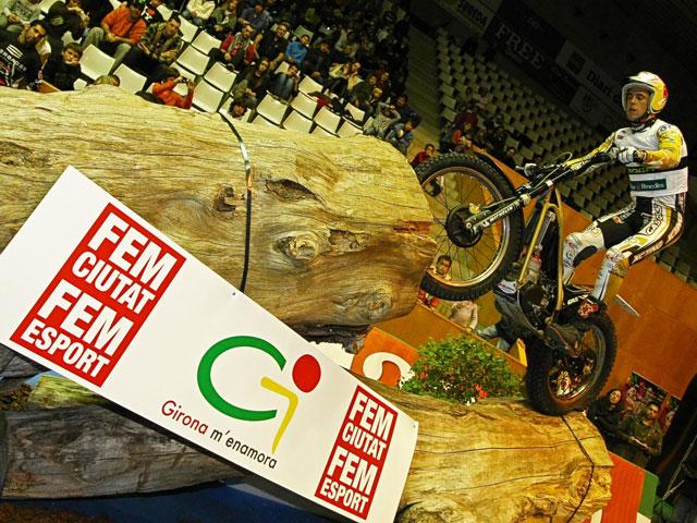Toni Bou vence el Trial Indoor de Girona