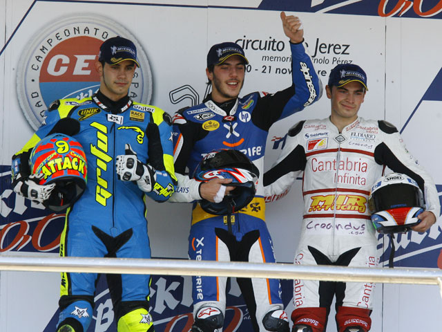Pons, Oliveira y Forés ganan en la última carrera del CEV