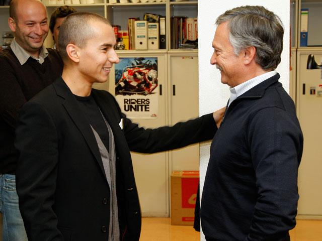 Jorge Lorenzo y Marc Márquez visitan MOTOCICLISMO