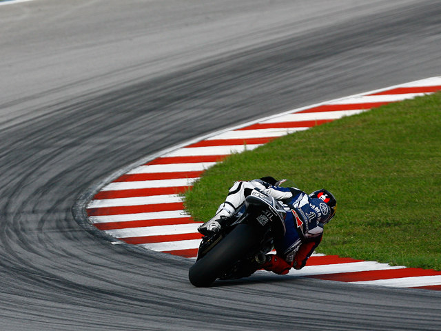 Marco Simoncelli certifica el poder de Honda