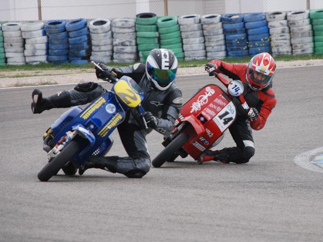 Circuito Zuera : Iv vespa the resistance noticias motociclismo