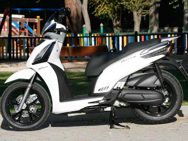 Piaggio Beverly 125 vs KYMCO People GTI 125